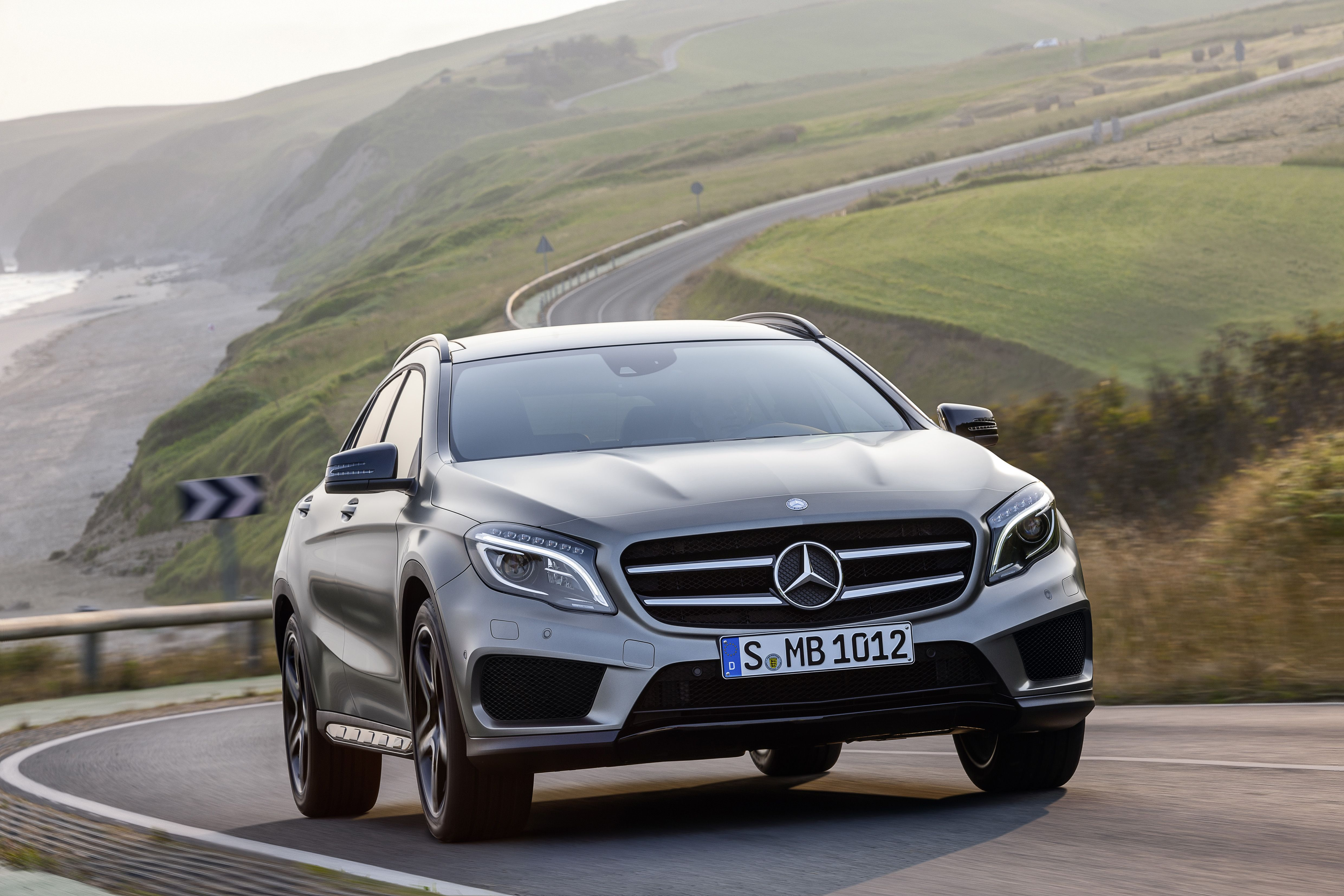 Mercedes Benz Gla 250 4matic X156 2013 With Images Mercedes
