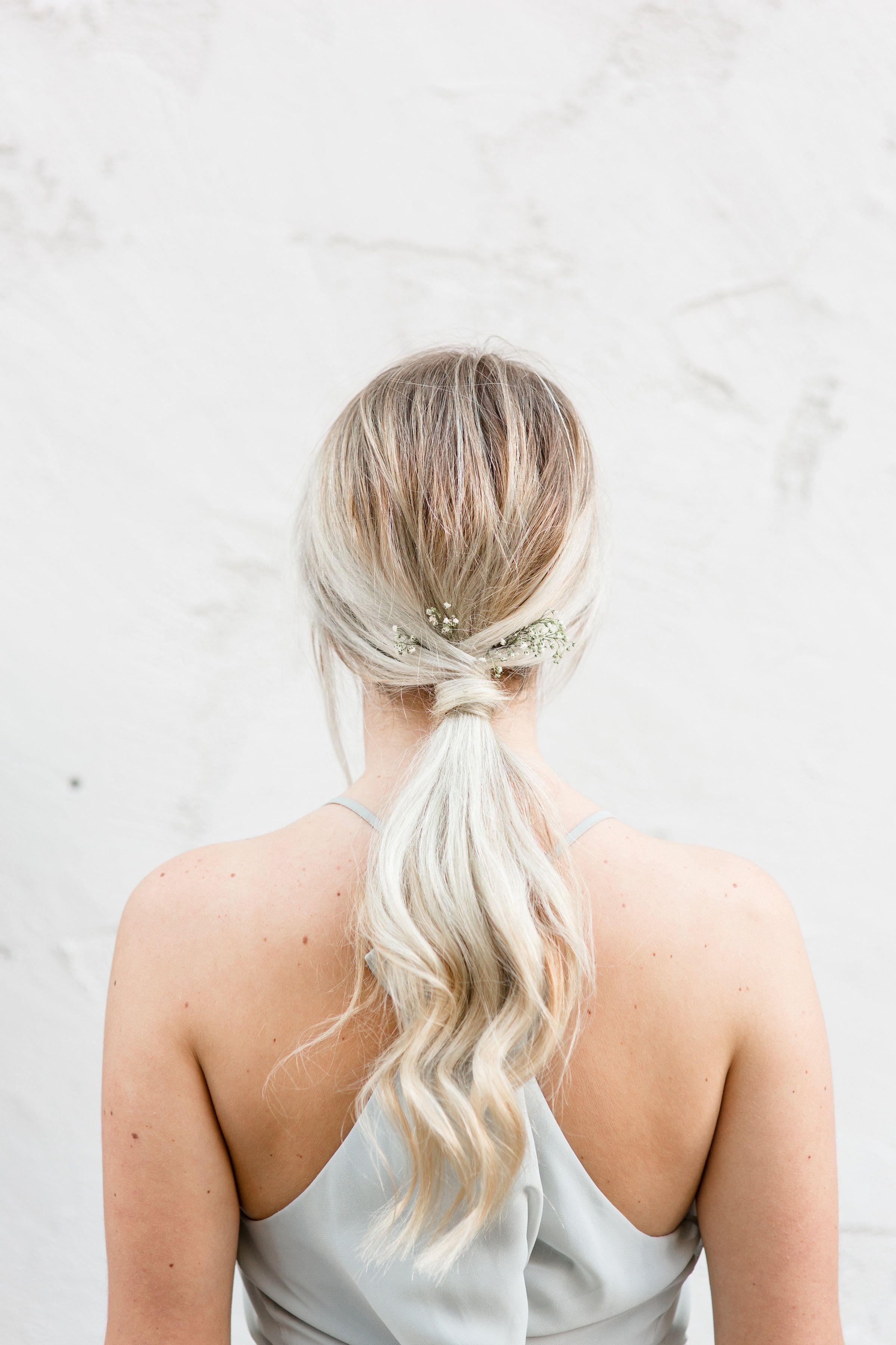 Sleek ponytail hairstyle for a minimalist urban wedding. // Luce ...
