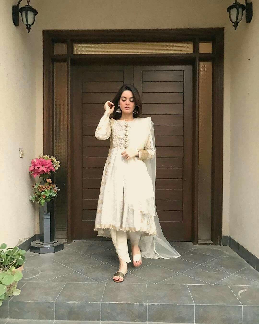 Pin von Mano👸 auf celebrities of Pakistan | Pinterest
