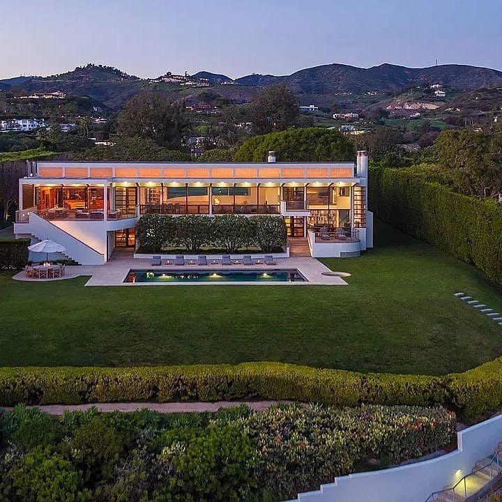 12 5 Million Malibu Mansion Sitting 4 05 Acres Of Land This 4