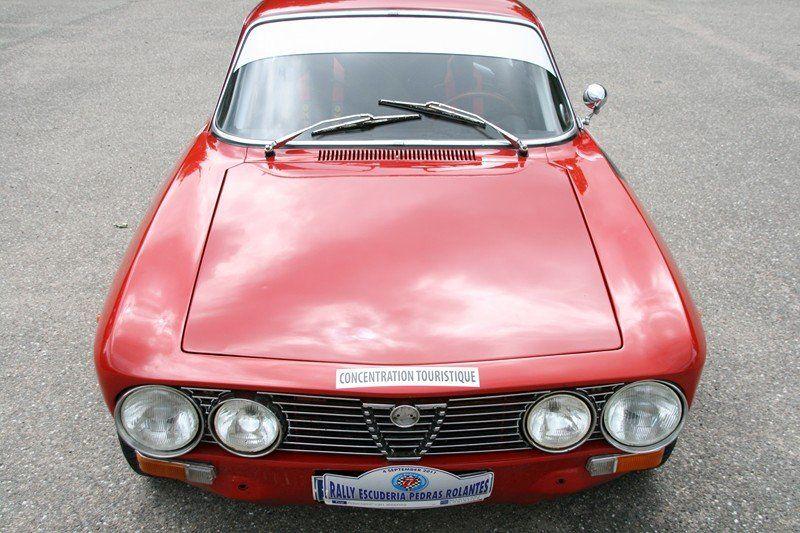 Alfa Romeo 2000 GT Veloce (1971–1976)