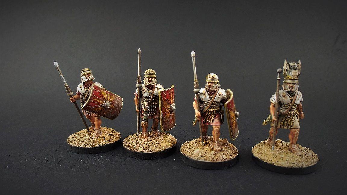 Victrix Early Imperial Roman Legionaries advancing VXA025 28mm