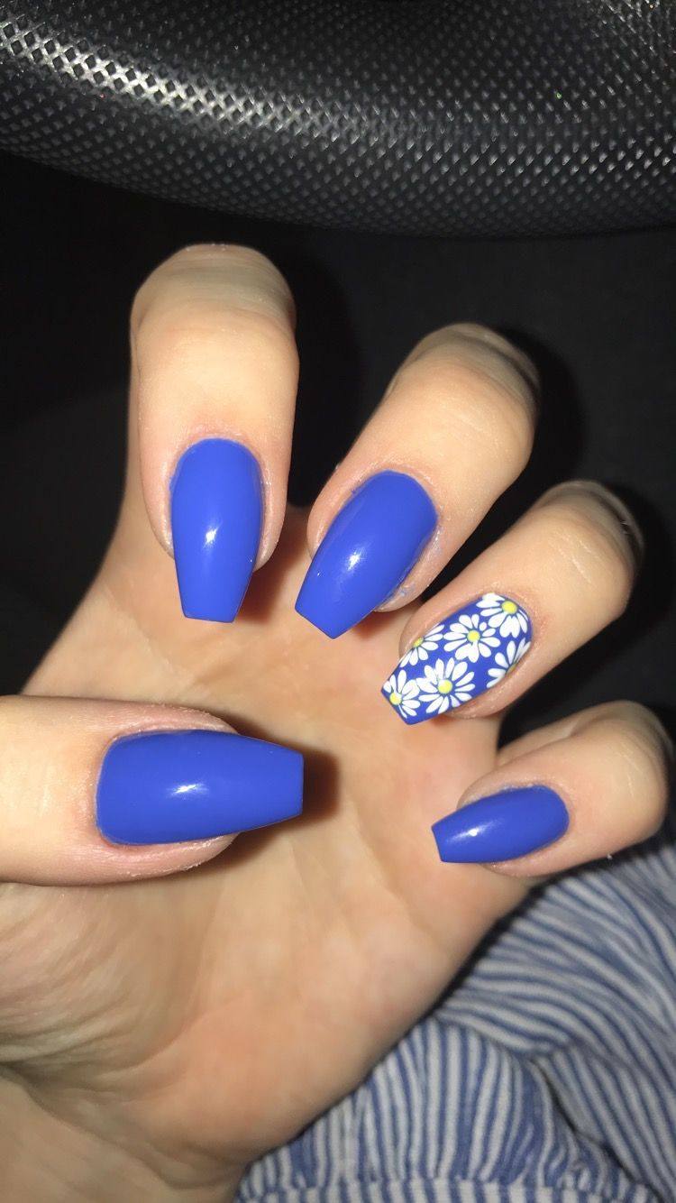 Blue Acrylic Coffin Nails With Daisy Nail Art Daisy Nail Art Daisy Nails Blue Acrylic Nails