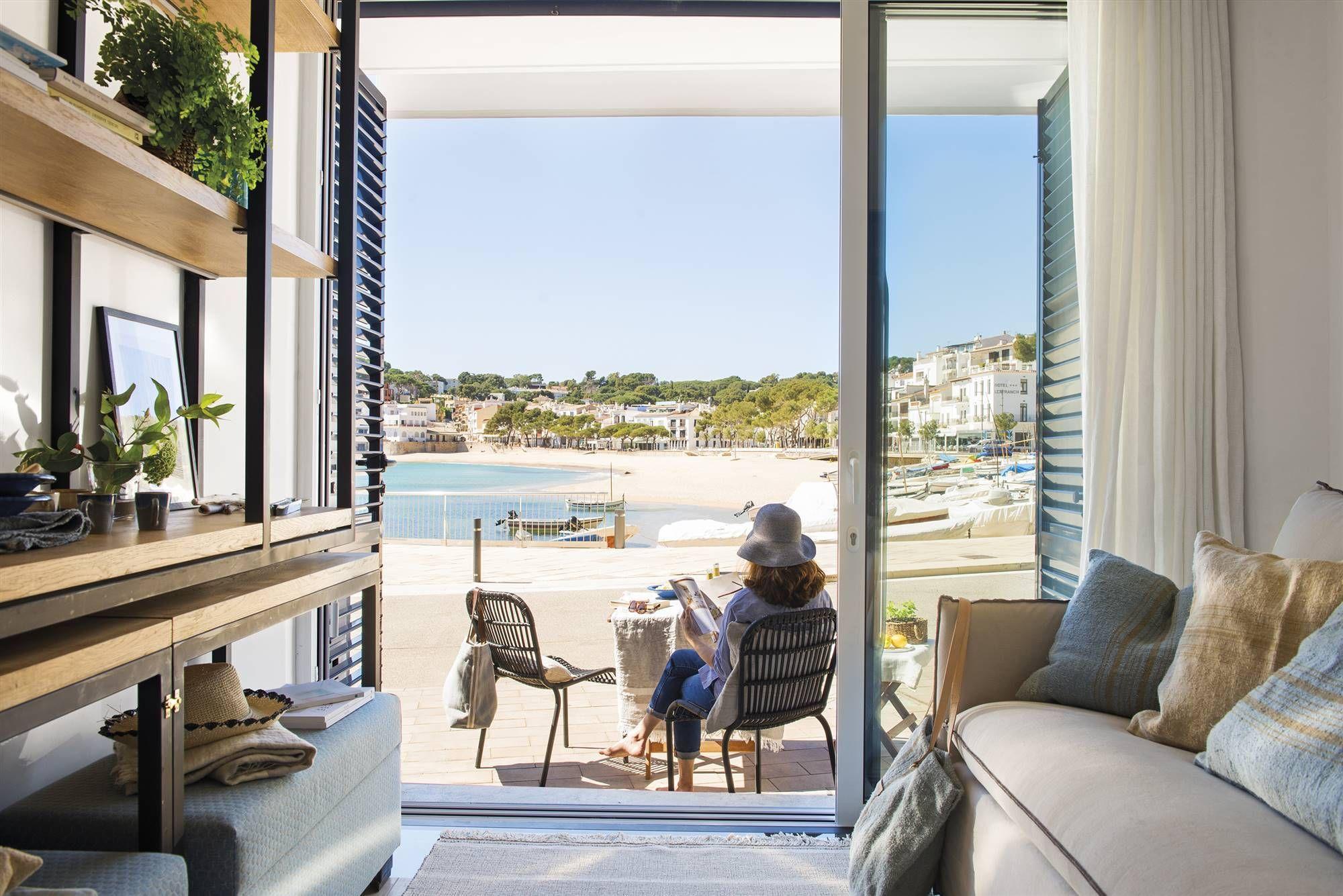Una casa de 200 m20 en 20 plantas ¡Y el mar! en 200200  Architecte