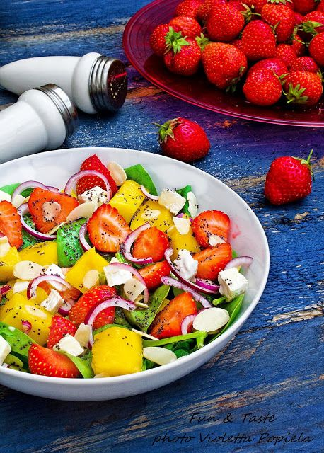 Fun & Taste: A unique salad with strawberries, spinach, and ...... check it out!! ;)