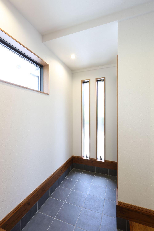 光と風の和モダンリノベーション 京都でリフォーム リノベーション デザオ建設のリフォーム写真集 窓 デザイン リノベーション 窓 玄関収納 間取り