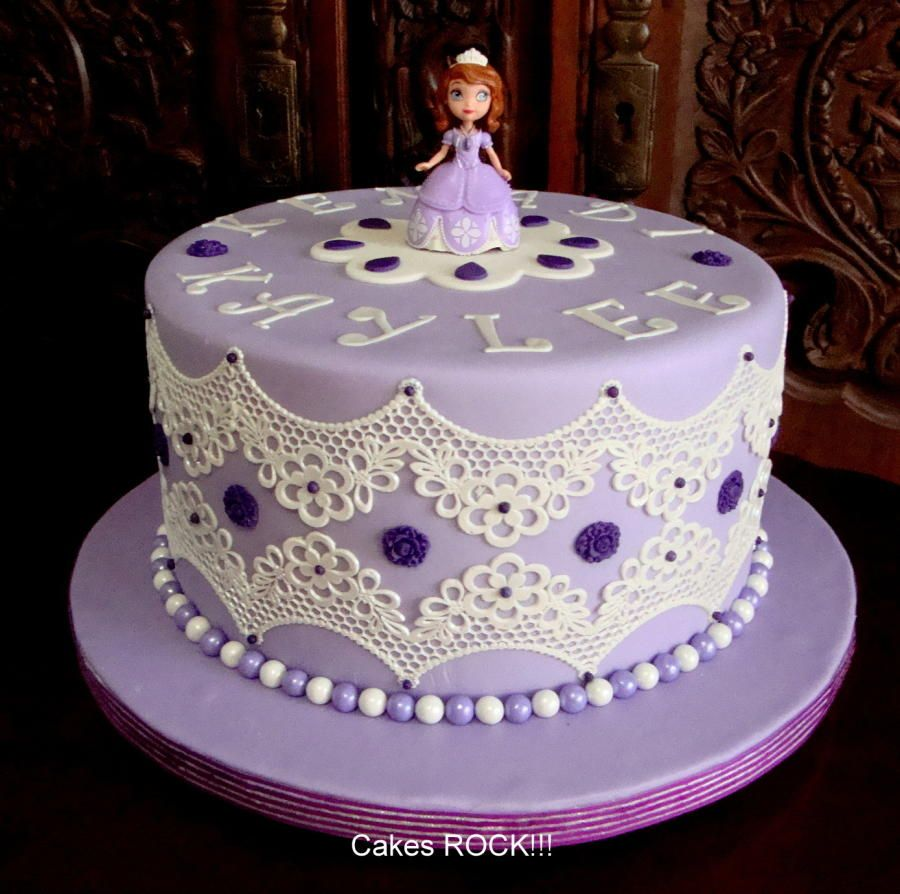 sofia the first in cake lace cakes cake decorating daily inspiration ideas pinterest. Black Bedroom Furniture Sets. Home Design Ideas