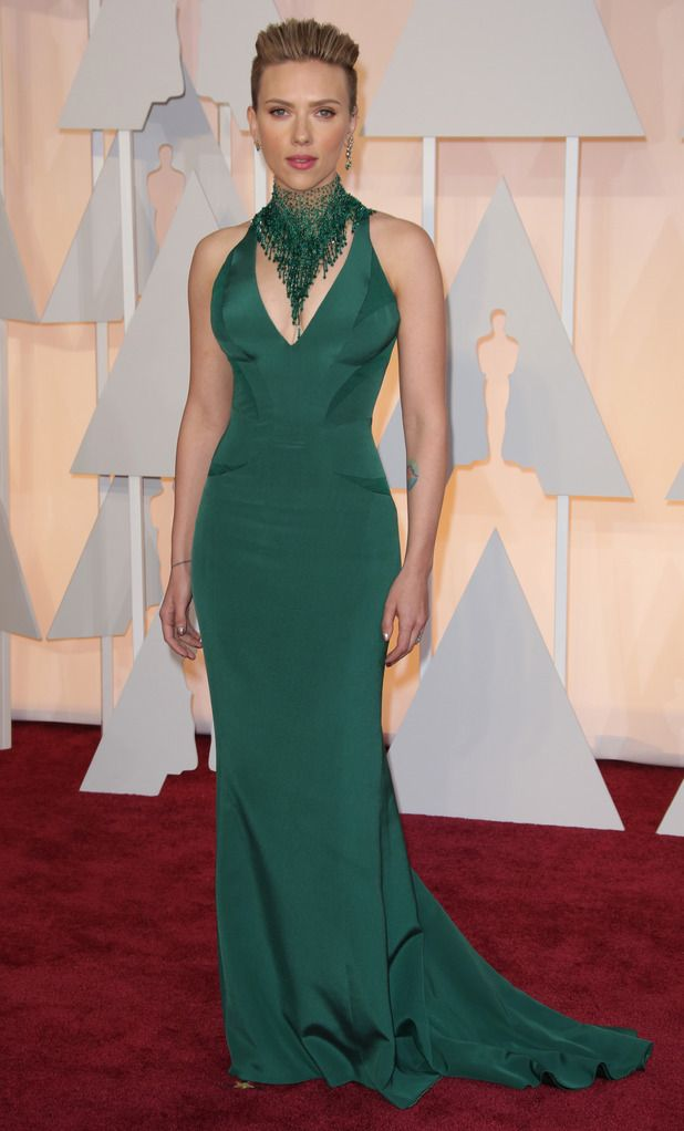 27abd0382ca scarlett johansson in green dress and necklace