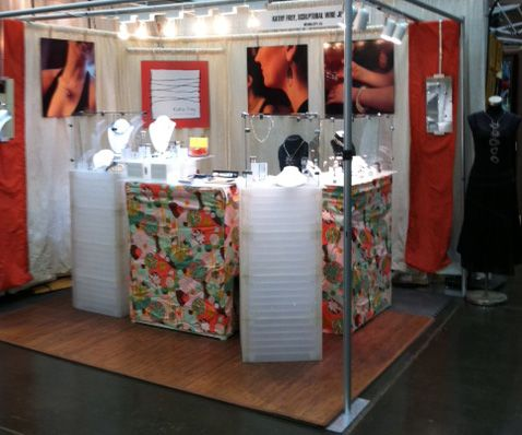 Taming The Tangle Booth Design Jewelry Booth Booth Design Craft Booth