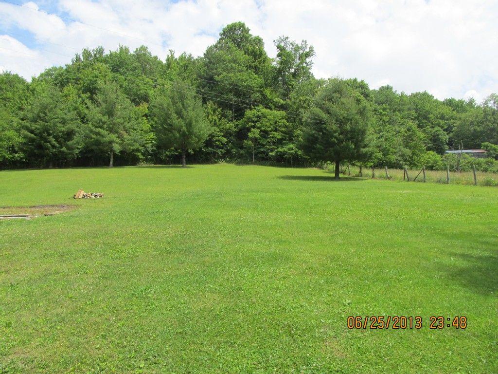 Whitetop Mountain Farmhouse landscaping, Vacation rental