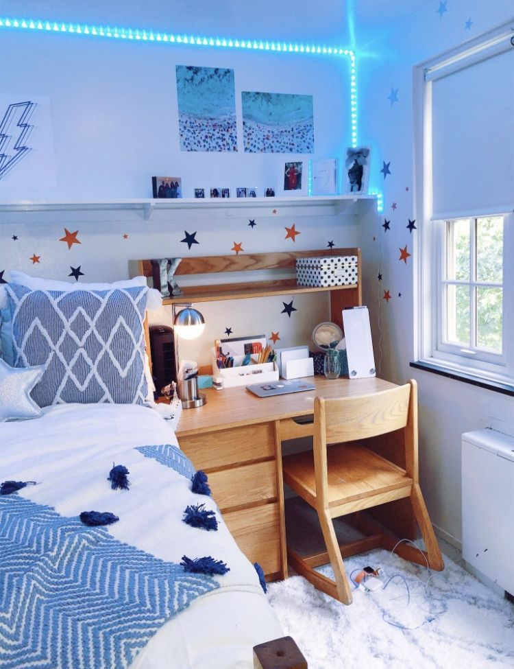 I Love The Blue Accents In This Room But I Think We Should Add More Varieties Of Color Dorm Room Designs College Dorm Room Decor Dorm Room Inspiration