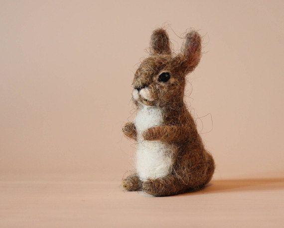 Mit der Nadel gefilzte Animal.Hare, Kaninchen oder Hase. Gefilzte weiche Skulptur #needlefeltedanimals