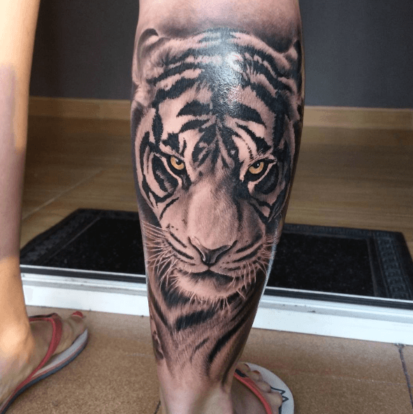 Tatouage Mollet Tigre Realiste Top Tattoos Tiger Tattoo Et Calf