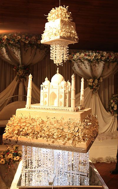 Another Amazing Cake It Is Cool To See The Top Tier Float Above The