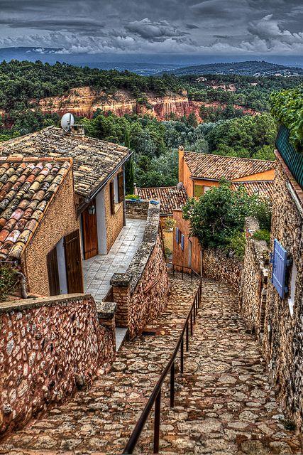 Vistas desde Roussillon, la Provenza, Francia.