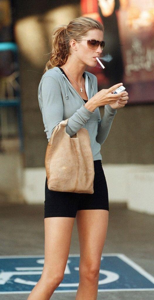Gisele Bündchen Smoking girls are sexier! | Smoking Favs ...