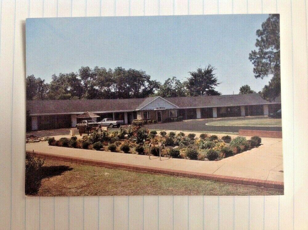 Swan Motel Perry Georgia Postcard Us Highway 41 341 Pool Filled In Garden Us Highway Postcard Vintage Postcards