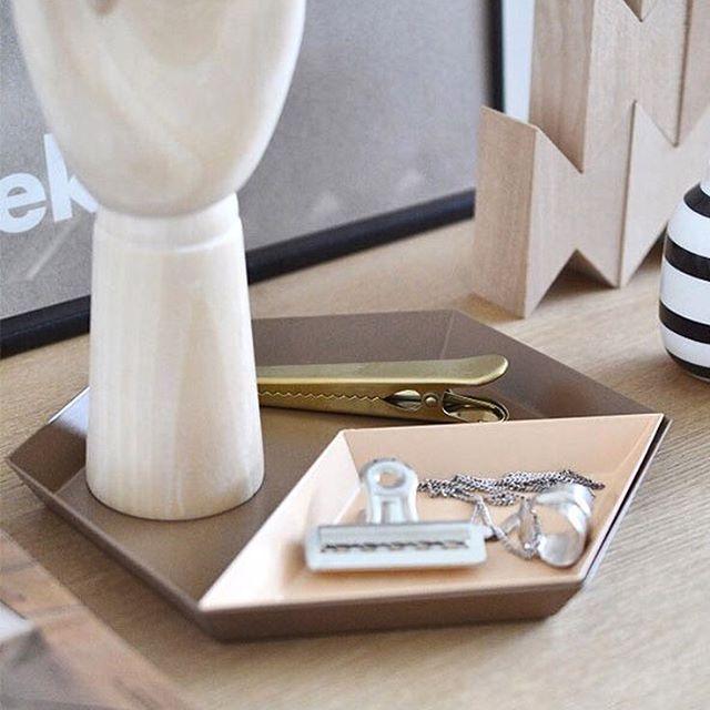 """Intentamos que para muchos de vosotros #DomésticoShop sea una """"cueva"""" llena de tesoros exquisitamente seleccionados y colocados que intentan cumplir vuestros sueños decorativos. Y muchos así nos lo hacéis saber! Por eso nos esforzamos día tras día en ofreceros el mejor diseño contemporáneo, las mejores marcas, tips decorativos, asistencia en proyectos, home consultants… en definitiva, lo mejor de nosotros.  #DomésticoShop #design #interiordesign #interiordesigner #interiordecor…"""