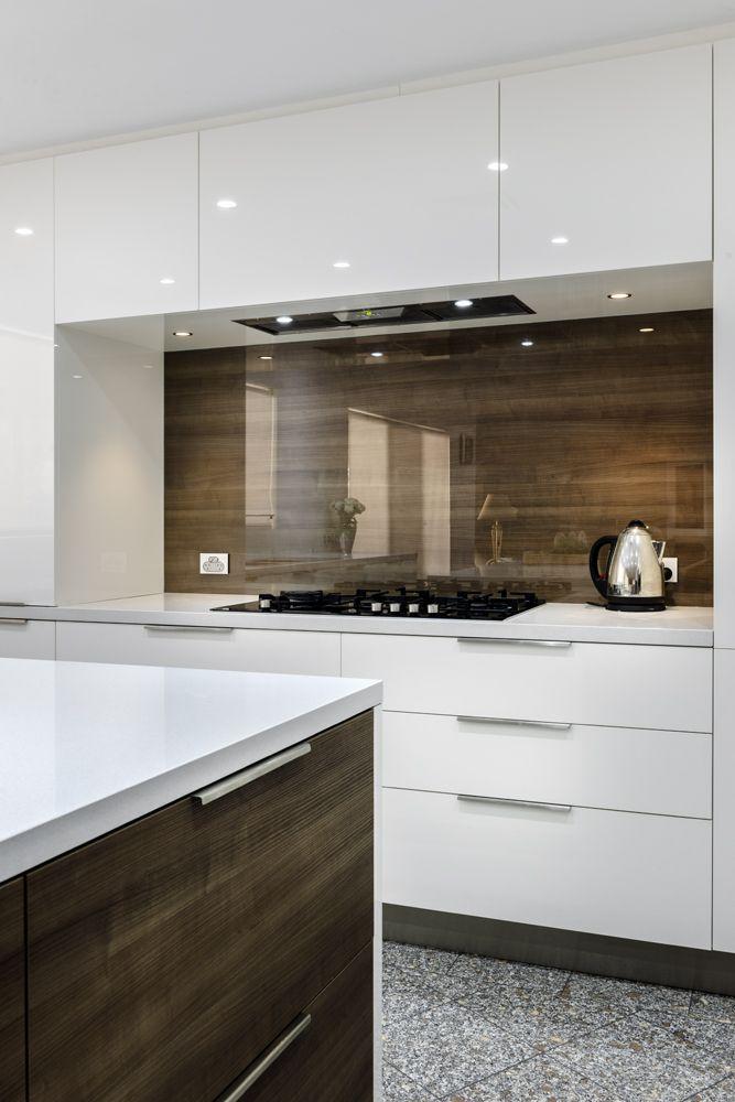 40 Sensational Kitchen Splashbacks Renoguide Australian Renovation Ideas And Inspiration Kitchen Styling Modern Kitchen Style Interior Design Kitchen Small