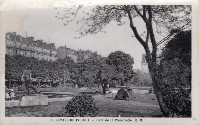 Hauts De Seine Levalois Perret Parc De La Planchette A Levallois