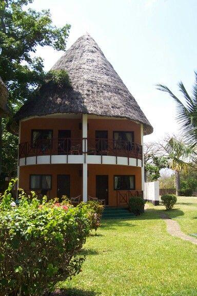 Kenya 2006 | House styles, House, Home decor