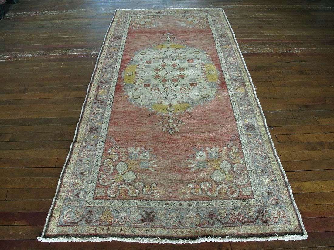 "Huntt Rugs  http://www.hunttrugs.com/vintage-turkish-rugs/vintage-turkish-rug-35x73  Vintage Turkish Rug 3'5""x7'3"" #vintagerug #persianrug #antiquerug #distressedrug #homedecor #interiordesign #decor #hunttrugs"