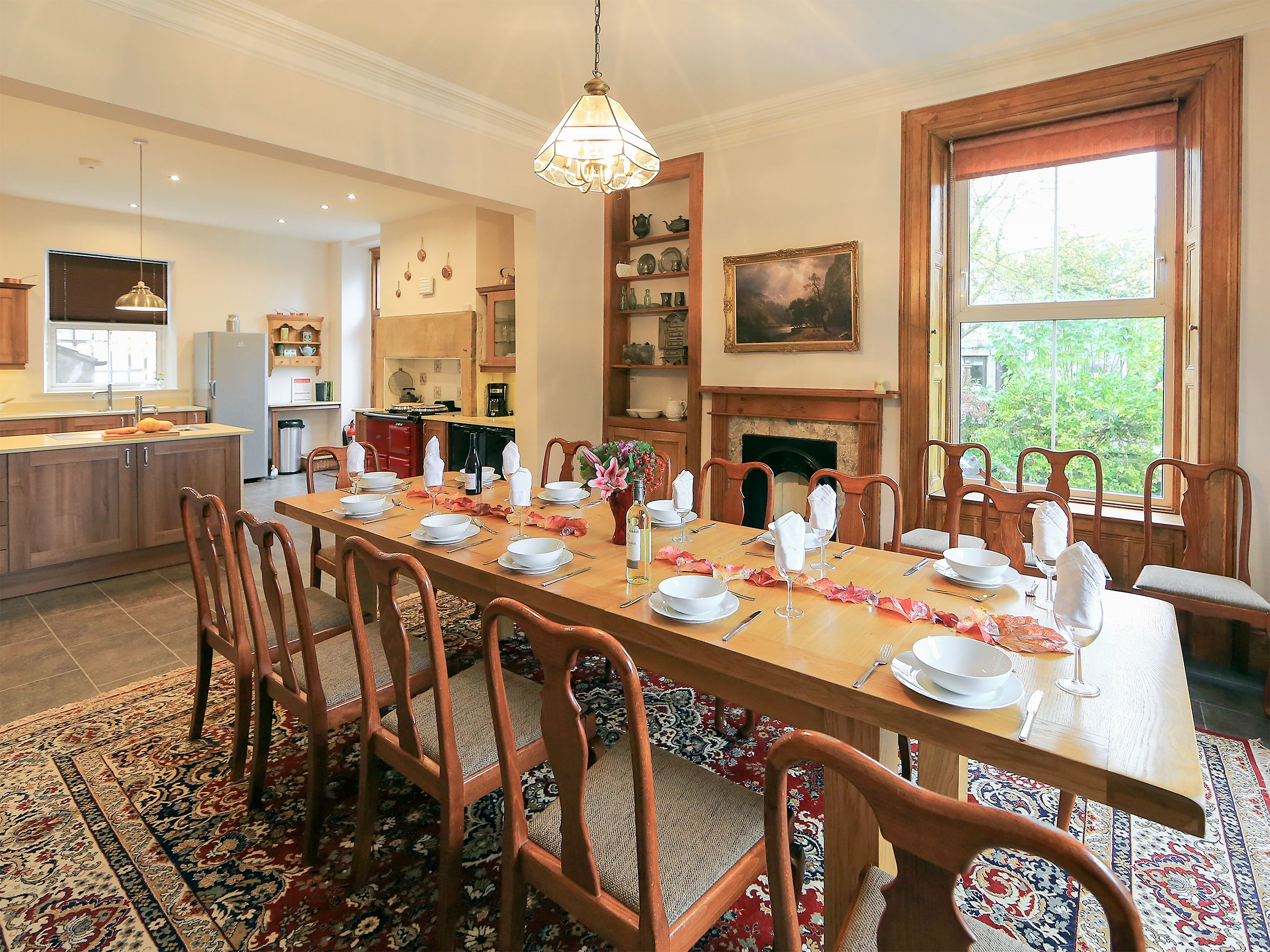 The Agaequipped kitchen boasts a fantastic, roomy social