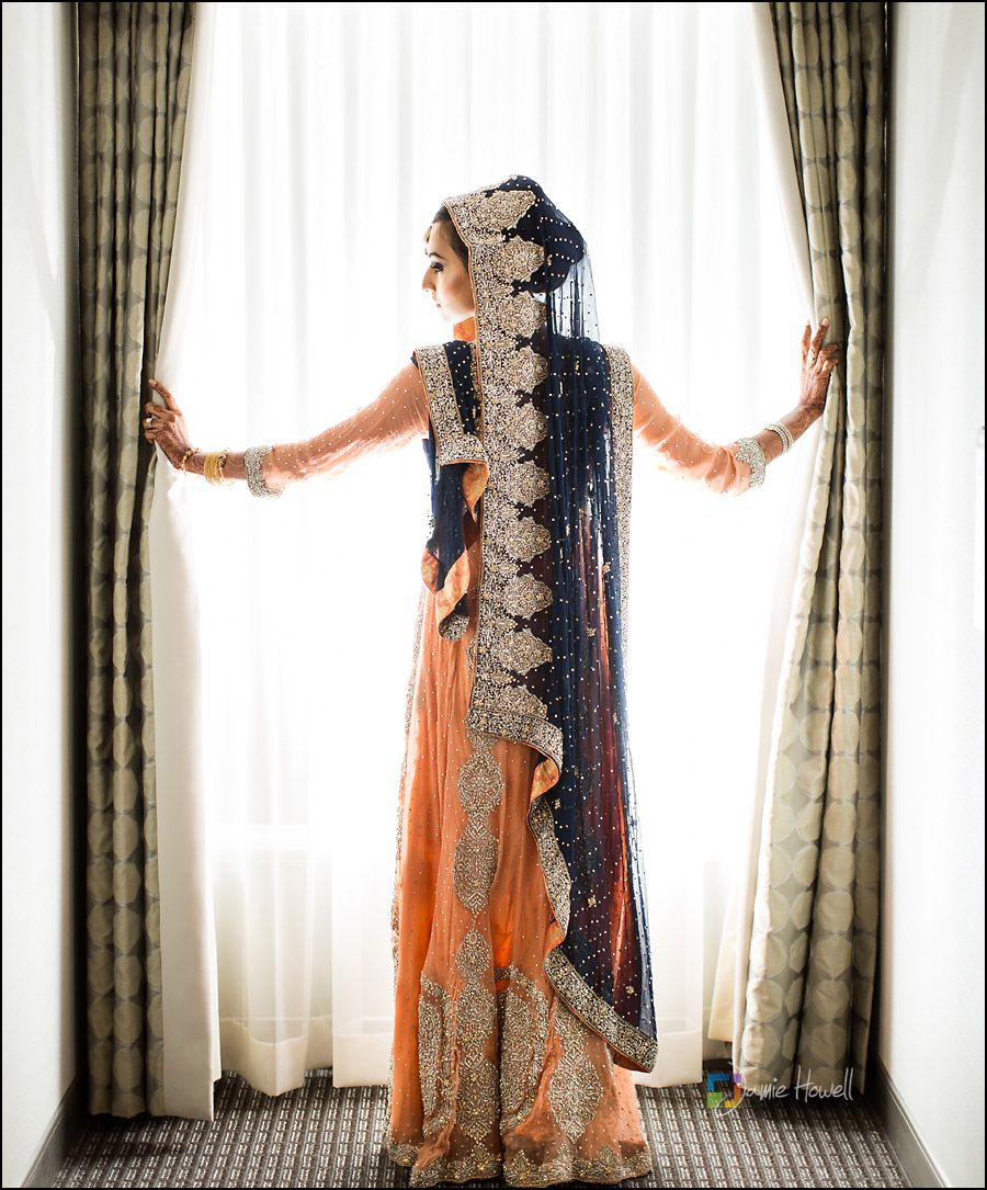 Peach and navy blue are the perfect hues for this stunning pakistani