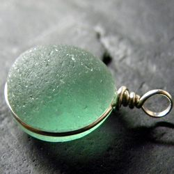 sea glass - gorgeous @Joanne Pelletier - hey, this looks like the Churchill Beach Glass you have