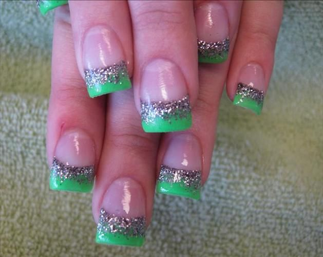 Holiday Nail Designs Maybe With Red Instead Of Green Nails