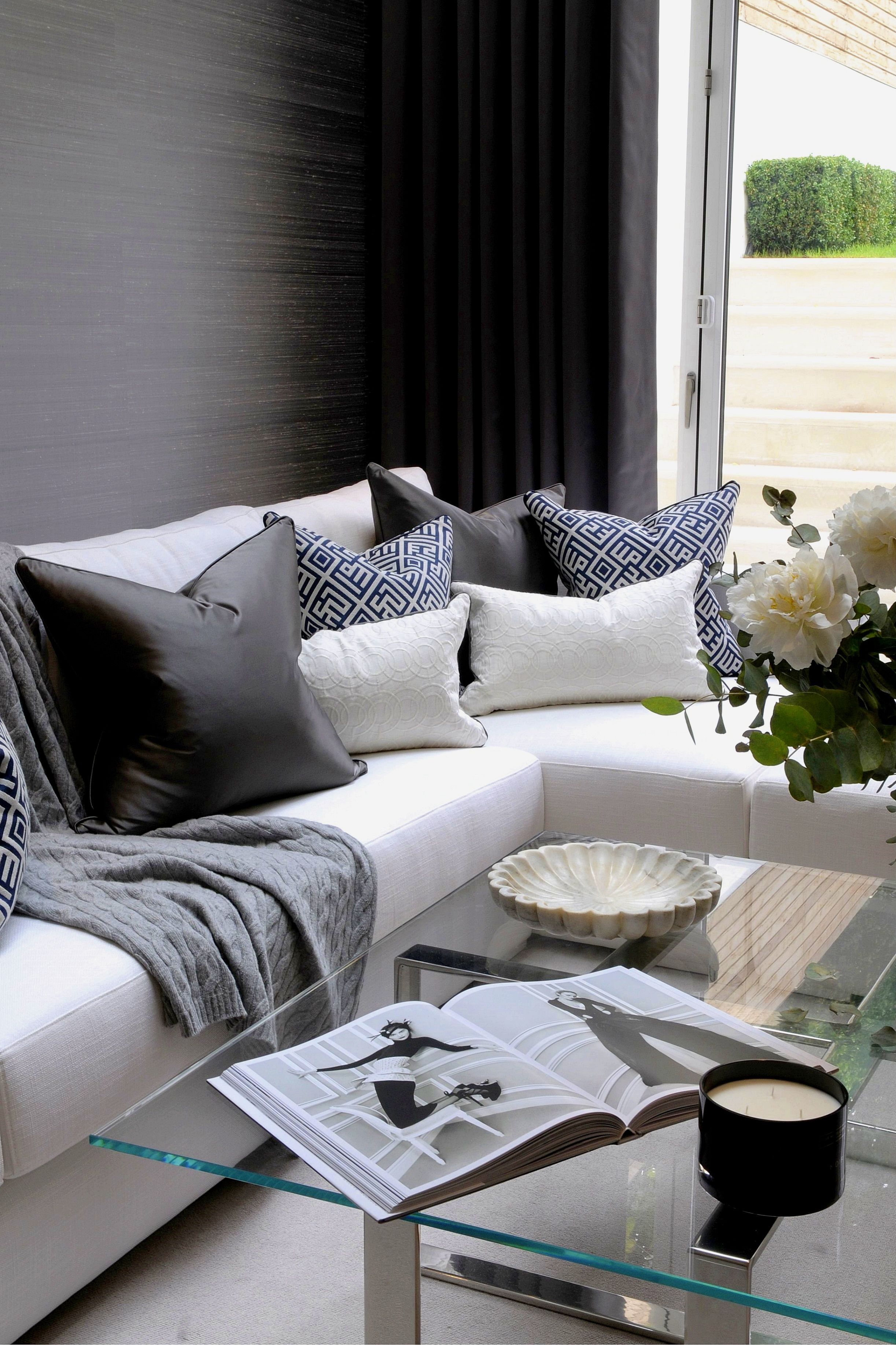 How To Organize Your Living Room And Keep It Clutter Free Cushions On Sofa Living Room Remodel Living Room Decor Tips #organize #living #room #furniture
