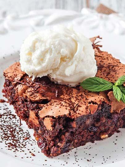Çikolatalı ve bademli yumuşak kek Tarifi - Kek Tarifleri Yemekleri - Yemek Tarifleri