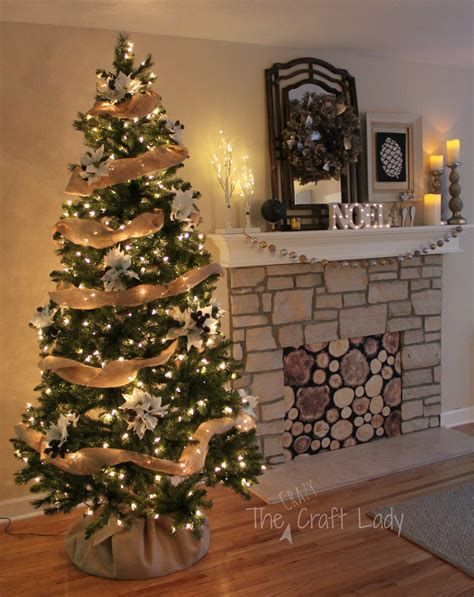 Christmas Decorating Ideas 2017 Staircase Christmas Decorating Ideas Doo Easy Christmas Tree Decorations Simple Christmas Tree Christmas Decorations Rustic