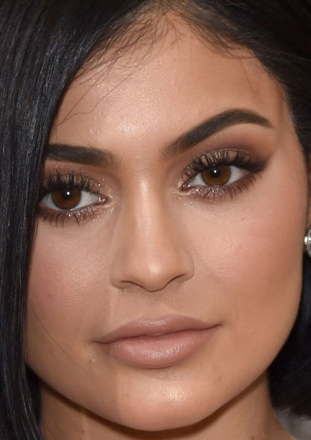 Eyes Kylie Cosmetics: Met Gala 2016: The Best Skin, Hair And Makeup On The Red