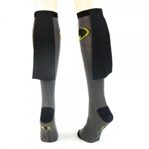 TV Store Batman Superhero schwarze Kniehohe Socken (große Größe) für Erwachsene TV Store http://www.amazon.de/dp/B007AK1MPU/ref=cm_sw_r_pi_dp_tCVyvb0WA3905