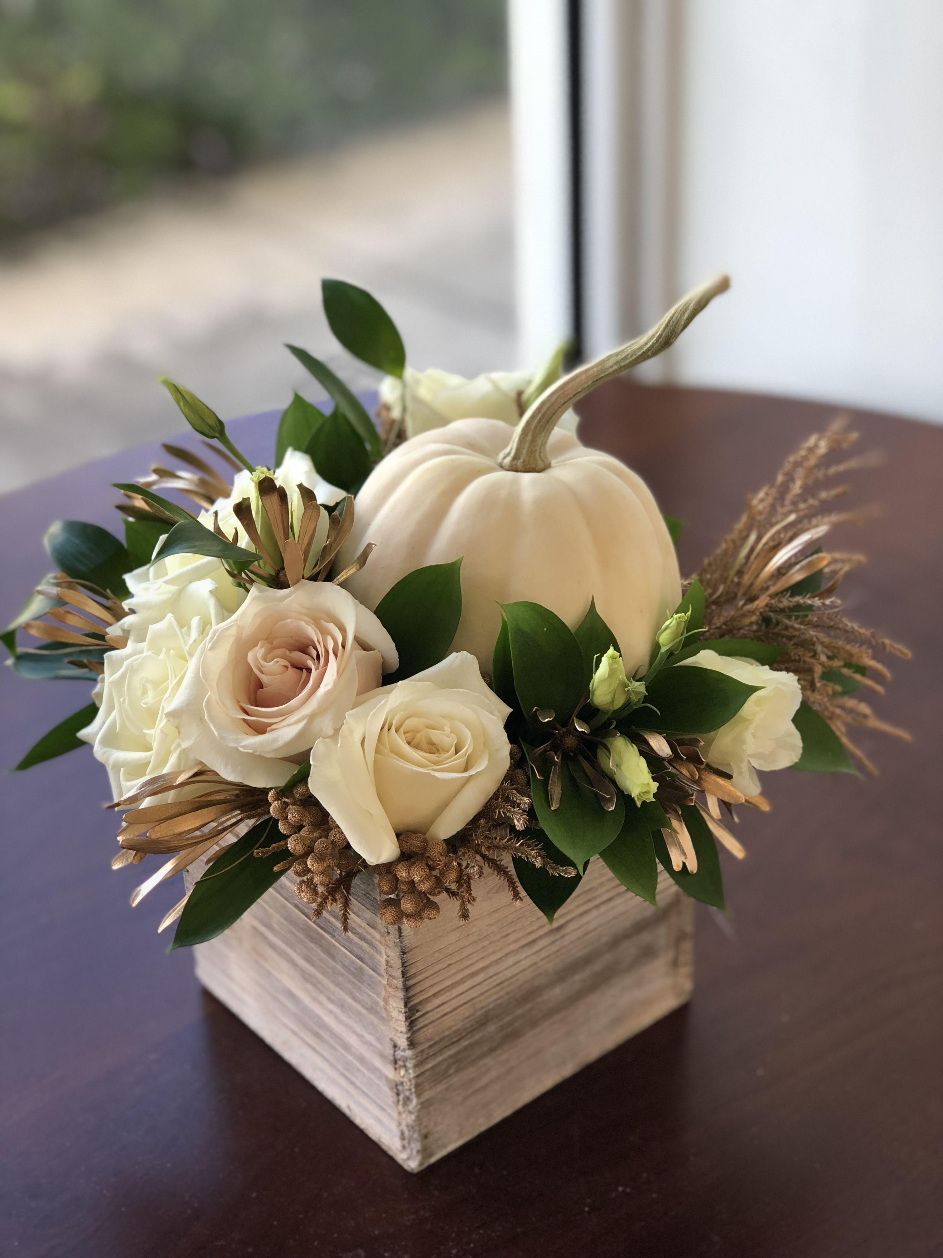 Fall arrangement for thanksgiving day flower