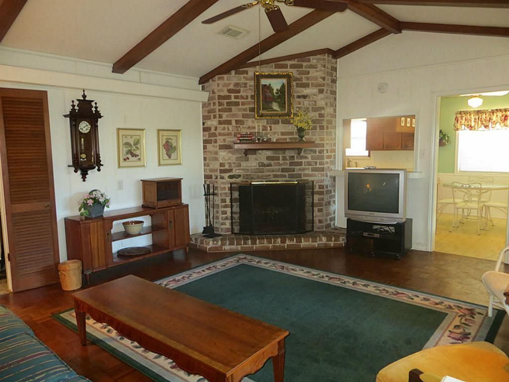 Corner Fireplace Corner Fireplace Vaulted Ceiling Google Search Mom And Dad