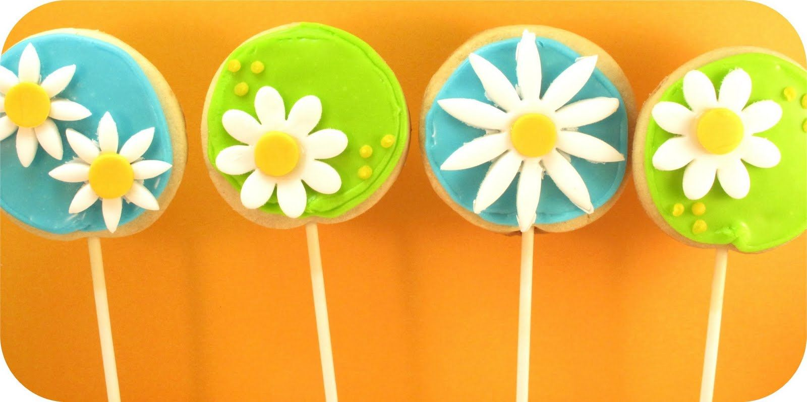 daisy cookie pops - The Decorated CookieThe Decorated Cookie