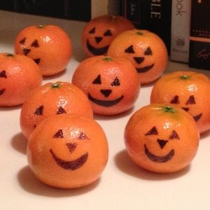 Pre-packaged halloween class party snack ideas.