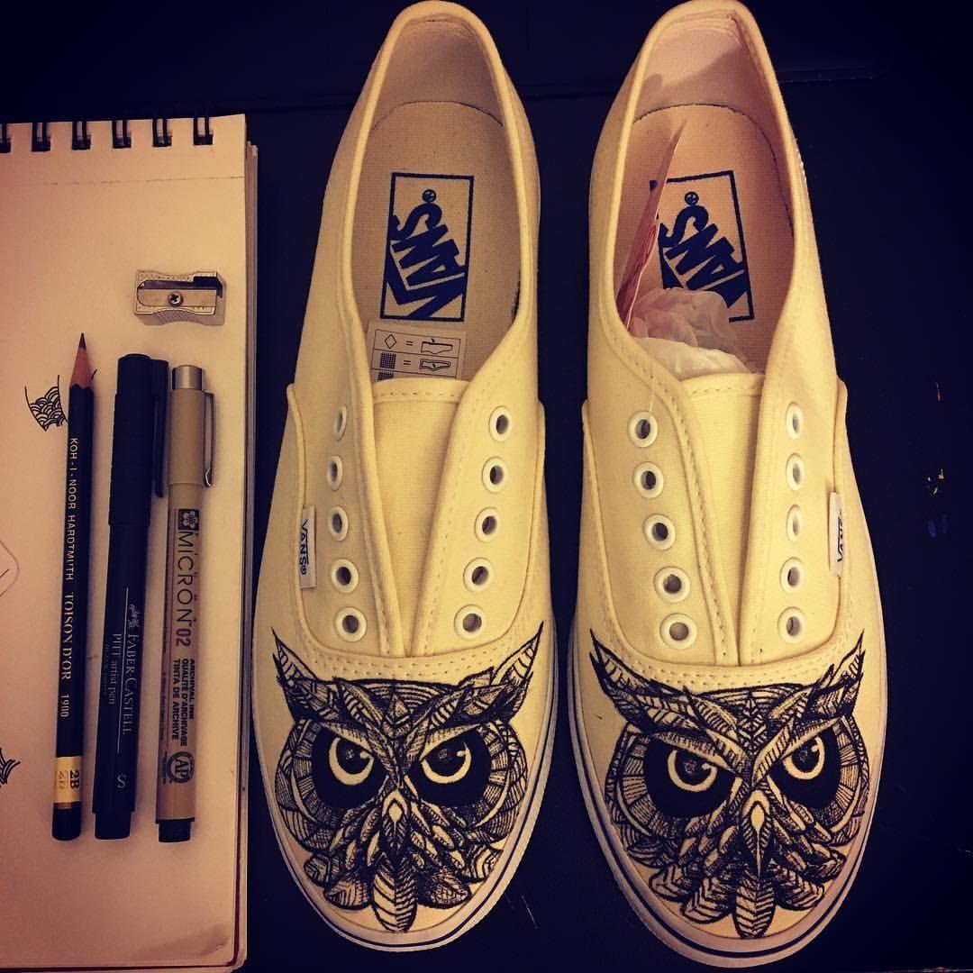 Shoe sketch #lagsneaks #micron #fabercastell #toisondor #sketchdaily #artstagram #drawingoftheday #pendrawing