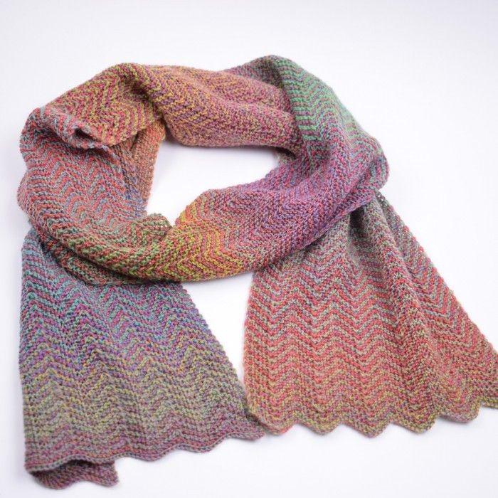 Gebreide Sjaal In Zigzag Patroon Patronen Hobbii Haken Pinterest