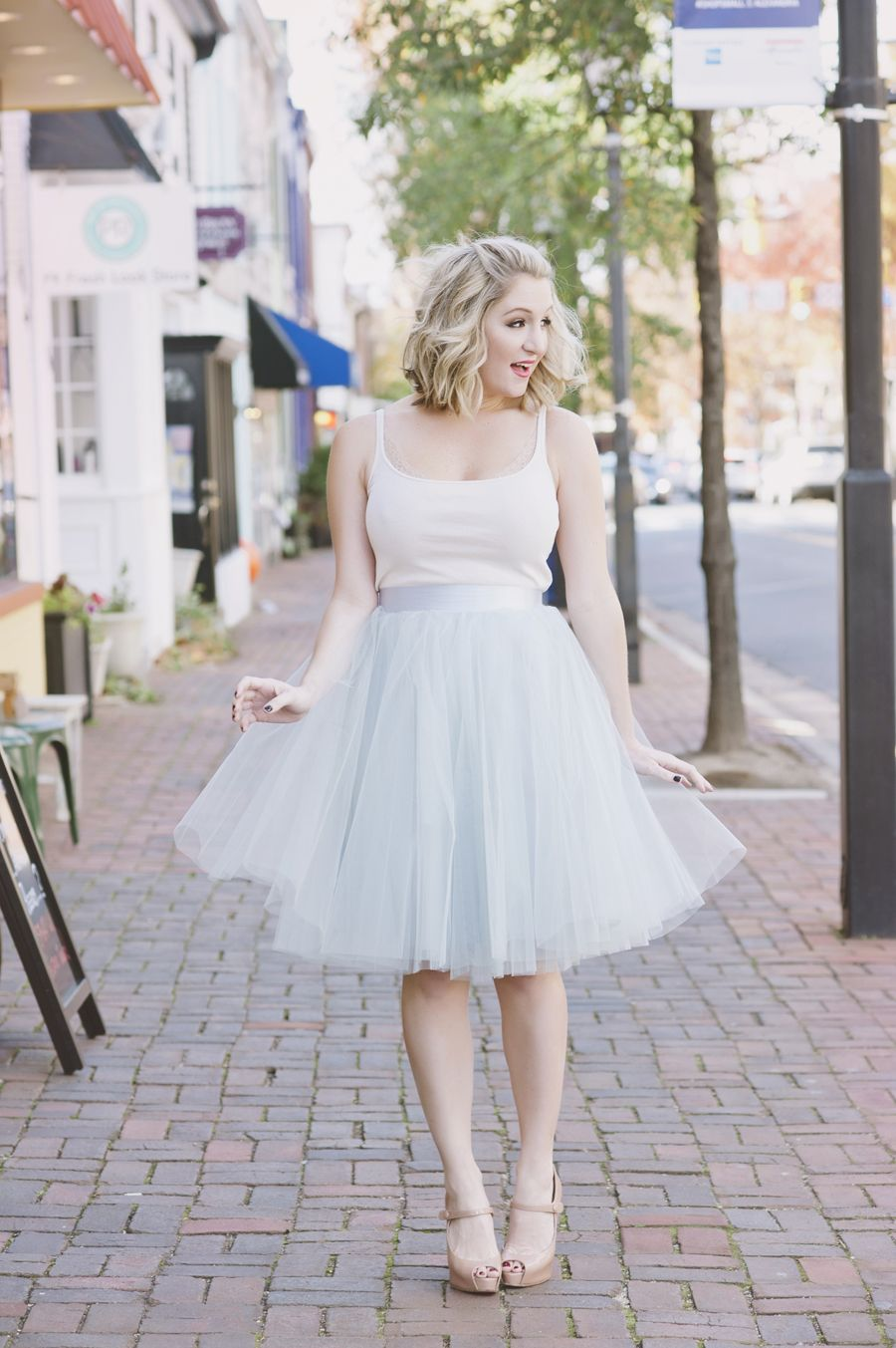 blogger bombshell series: lacey as carrie bradshaw - unveil
