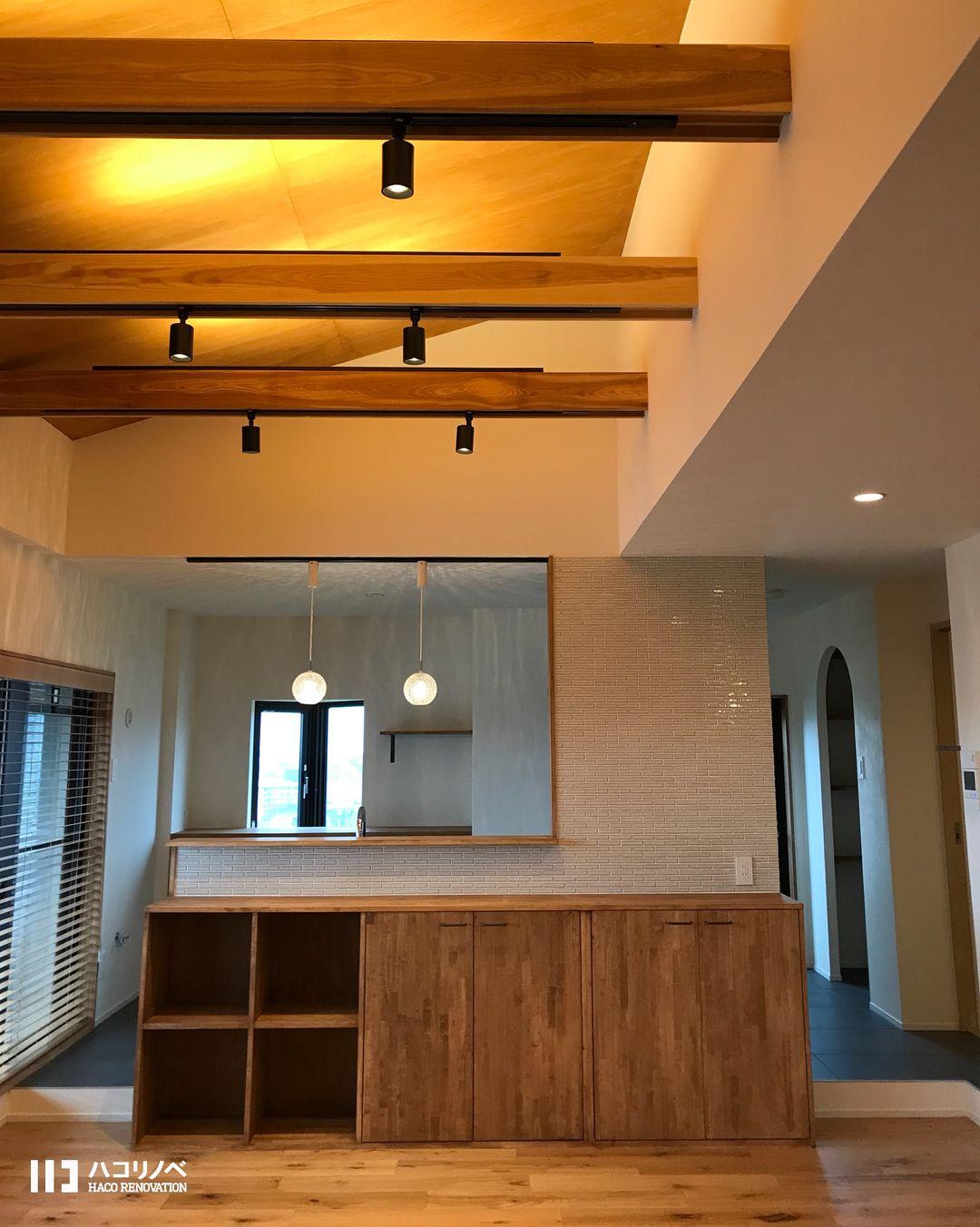 床にも天井にも壁にも 木材に囲まれた家って心地よい 壁に