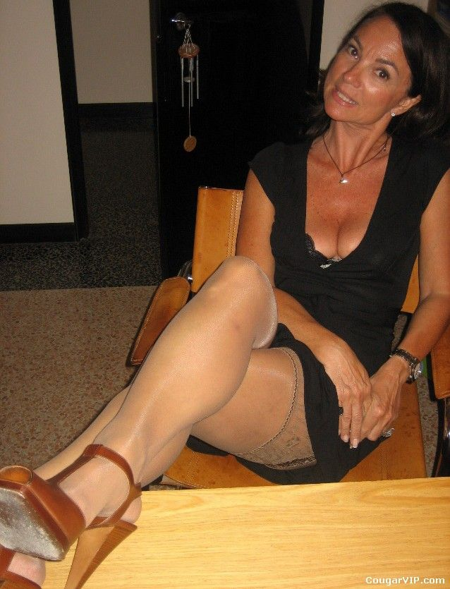 Milf in skirts gif