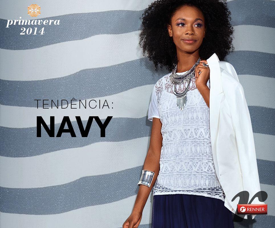 Com muitas listras, azul marinho, vermelho e dourado, o navy traz elementos marcantes que tornam as produções do dia a dia supercharmosas e femininas. Um luxo!