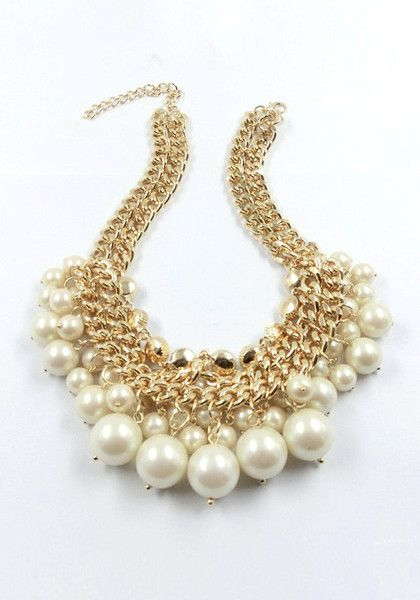 Chunky Collar Pearls Necklace...love this!