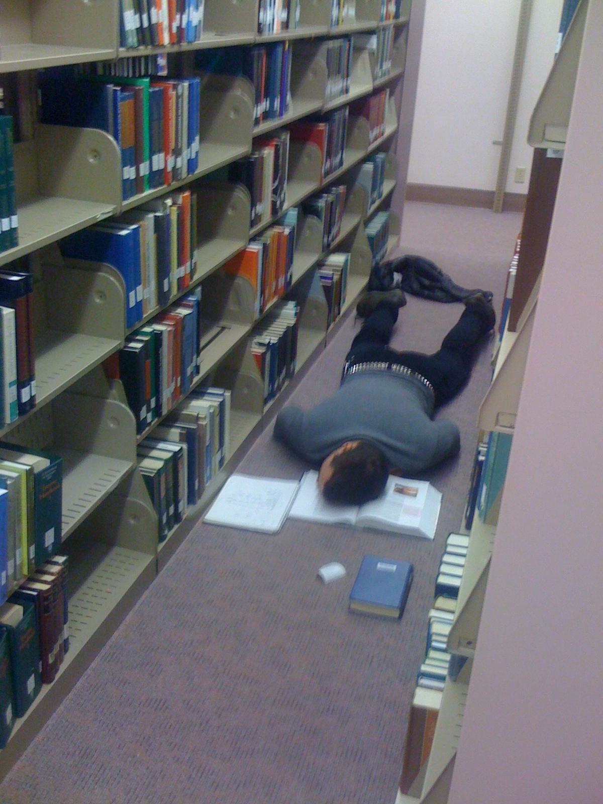 """final week library""的图片搜索结果"