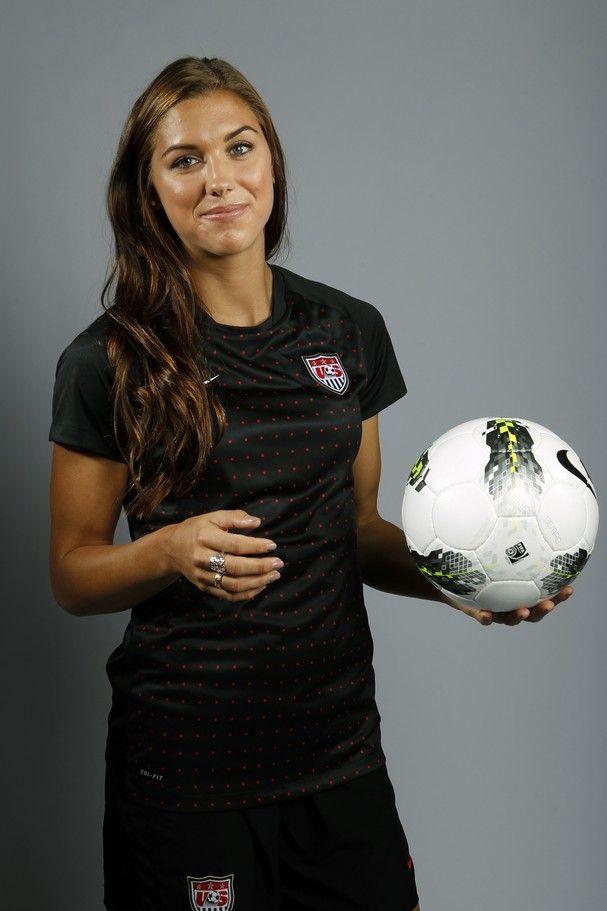 Alex Morgan Uswntsoccer Com A Fan Site Dedicated To The U S Women S National Soccer Team Usa Soccer Women Soccer Girl Alex Morgan