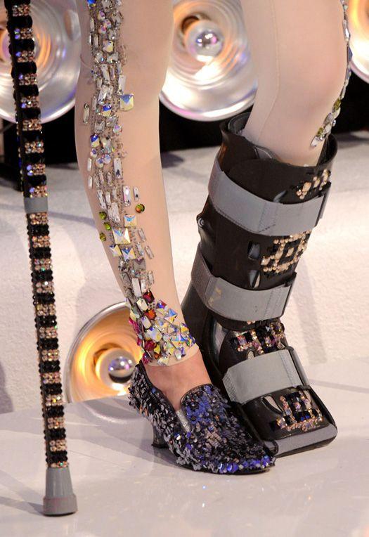 Jessie J's Bedazzled Boot   crip femme fab   Walking cast