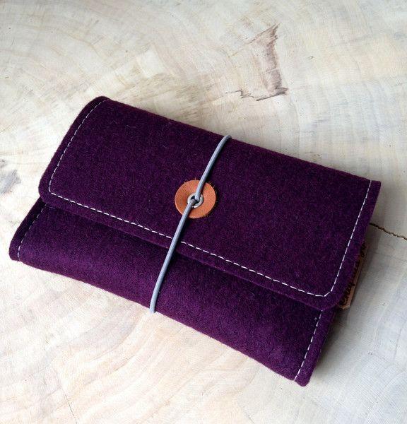 Kabeltasche für Notebookzubehör aus Wollfilz von Chiquita Jo ♥ Handgemacht und Individualisierbar! auf DaWanda.com